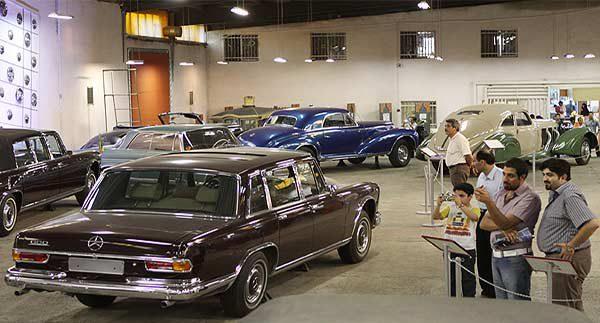 خودروهای کلاسیک موزه خودرو-آپارتمان مبله